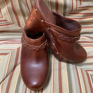 UGG Brown leather wooden heel clog size women 9